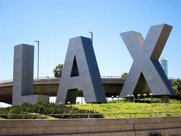 ロサンゼルス空港発着のサービス
