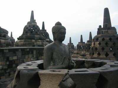 インドネシア世界遺産日帰りツアー