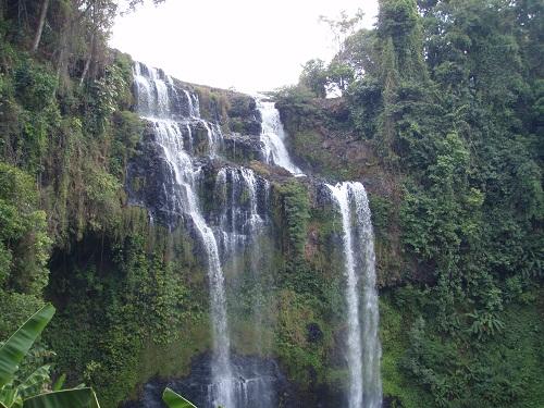 パクセー郊外 滝