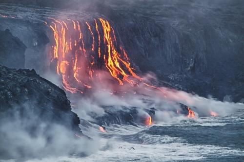 溶岩ツアー(海から)