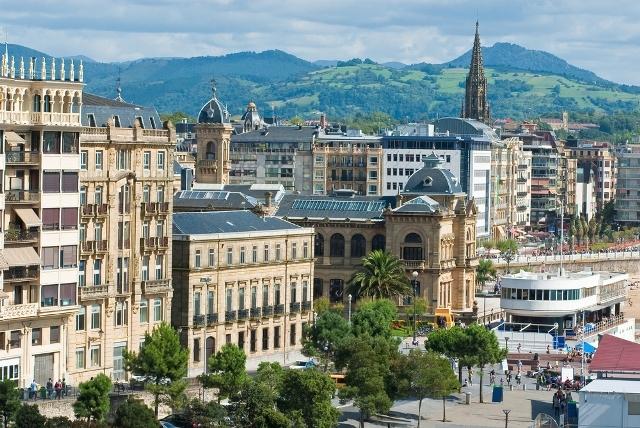 バスク地方を訪れる