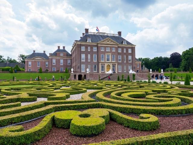 オランダを訪れる
