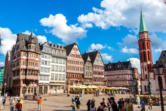 フランクフルトへ移動するツアー