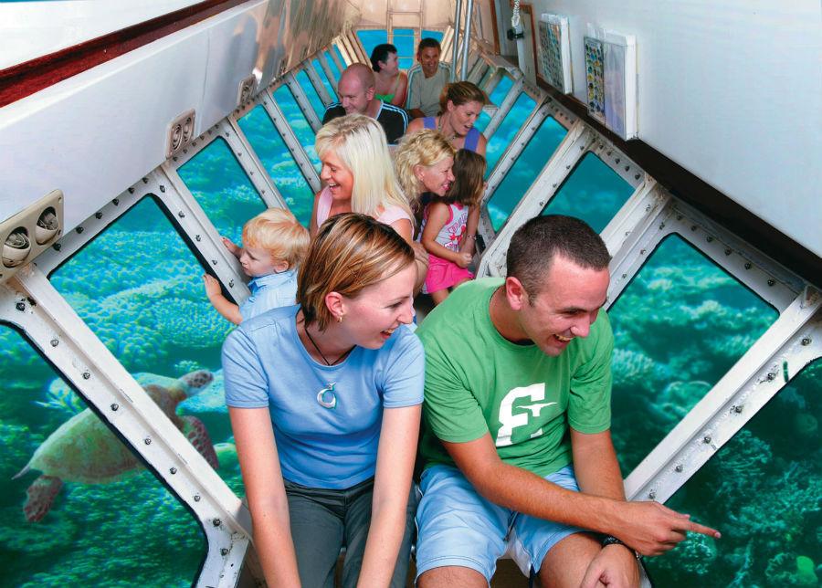 世界遺産グリーン島1日クルーズ 最長5時間滞在 PAK3(シュノーケル/グラスボート/半潜水艦付きプラン)