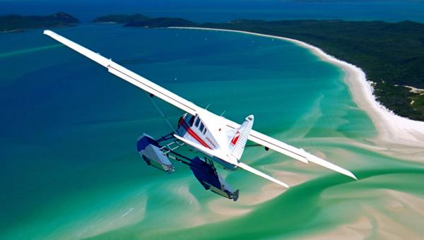 水上飛行でいく!ホワイトヘブンビーチ遊覧飛行