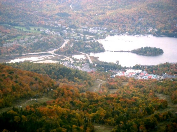 【秋・紅葉】カナダの紅葉を楽しむ!モントリオール 3泊4日 ローレンシャン高原1日観光付