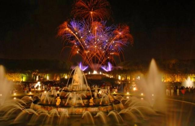 ヴェルサイユ宮殿でロイヤルパーティー:夜間大噴水ショー