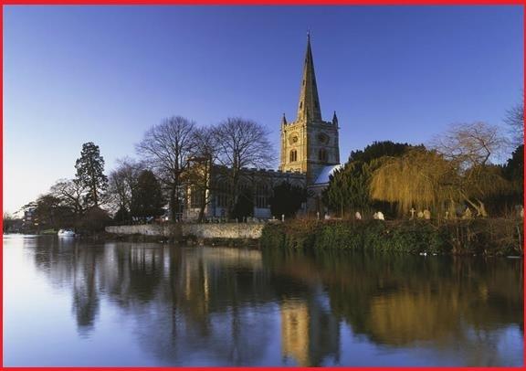 12月25日限定:オックスフォード、コッツウォルズ、ストラトフォードアポンエイボンと伝統的なクリスマスランチ(英語)