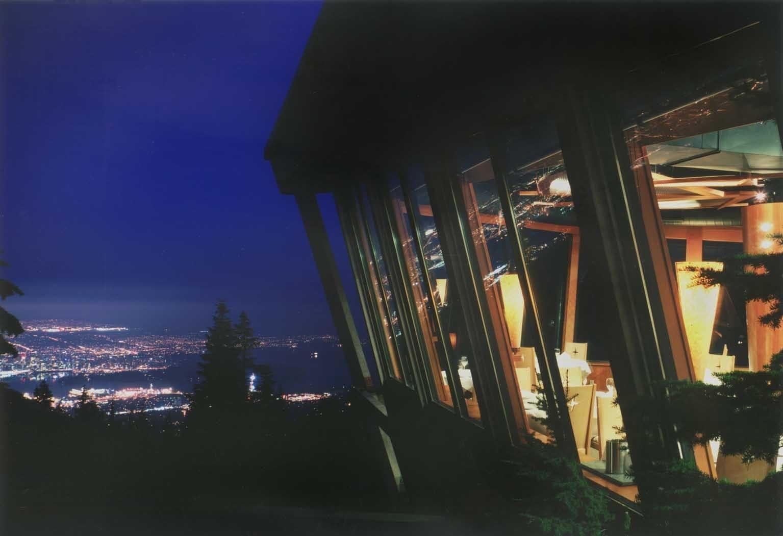 息を呑む美しい夜景を♪グラウスマウンテン山頂ディナー (冬季)