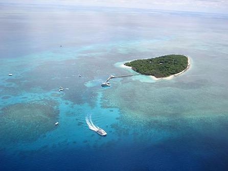 ヘリコプターで行くグリーン島 (往路ヘリ & 復路クルーズ)
