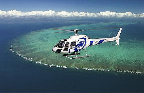 ヘリコプター遊覧飛行 グリーン島とグレートバリアリーフ 30分遊覧飛行