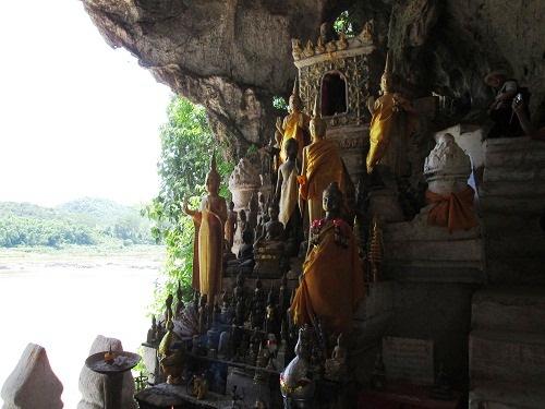 【ミニツアー】メコン川クルーズ観光パクウー洞窟&サンハイ村