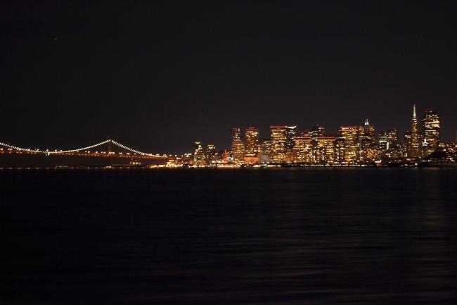 サンフランシスコ名物 ダンジネスクラブ料理と夜景観賞ツアー