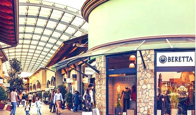 フランチャコルタ・アウトレットビレッジ・ショッピングツアー