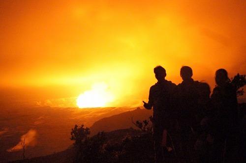 星空と朝のキラウエア火山ツアー