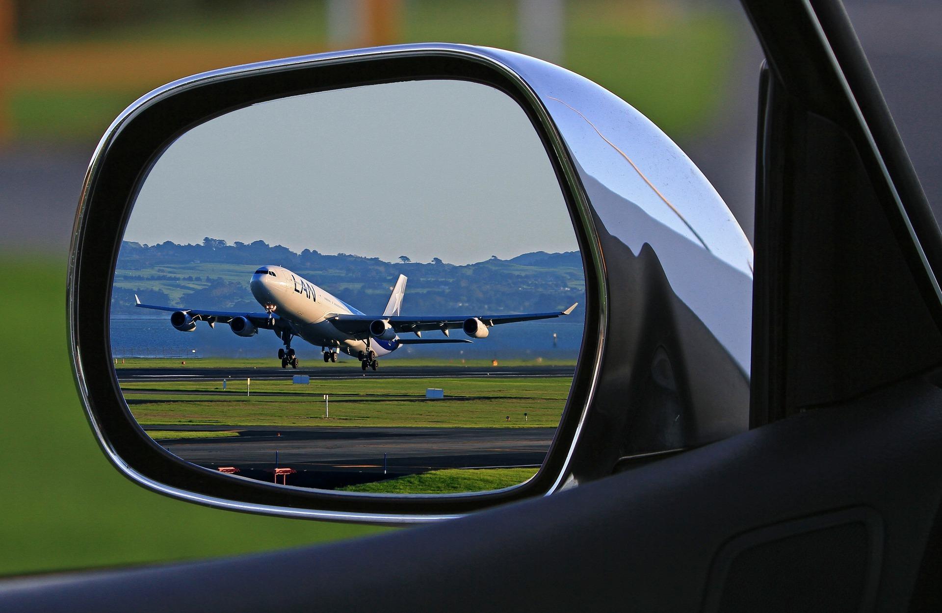 オヘア空港−シカゴ市内ホテル間 専用車 片道送迎サービス