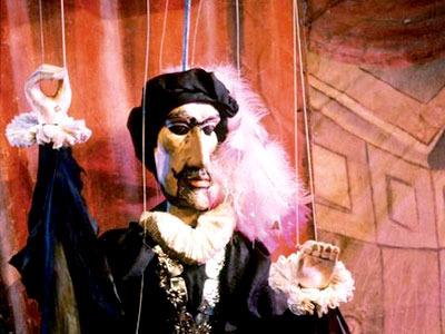 [みゅう]プラハ伝統の人形劇と名物ディナーを楽しむプラハの夜