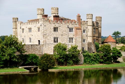 「貴婦人の城」と世界遺産を訪問! リーズ城、カンタベリーとドーバー観光1日ツアー(リバークルーズ、ランチパック付)