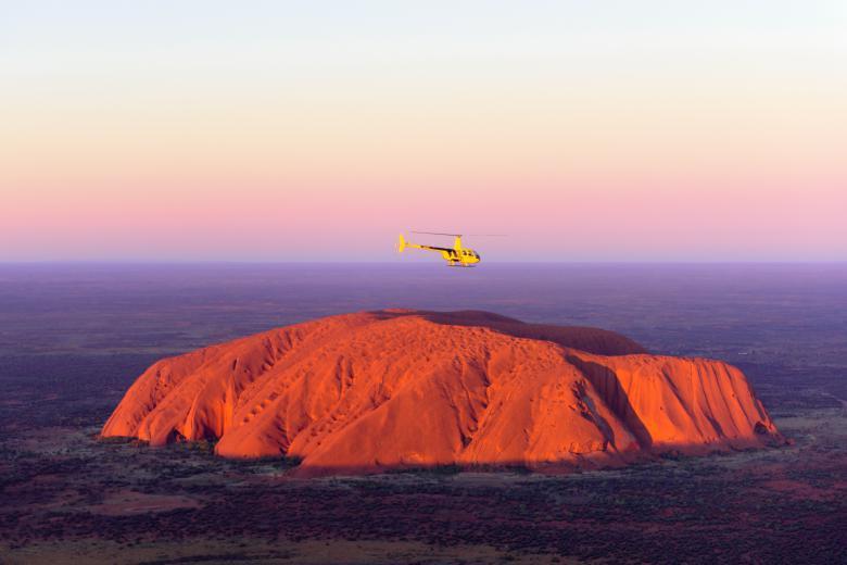 【ヘリコプター】ウルルとカタジュタ グランド・ビュー - サンライズまたはサンセット