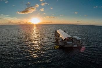 【1日限定18名様】 世界遺産グレートバリアリーフに泊まる サンラバー・スターライト1泊2日