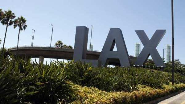 <専用車>LAX 空港からアナハイムホテルへの送迎