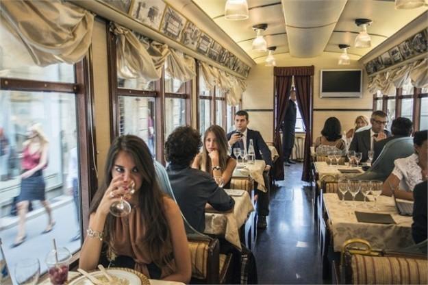 ミラノ トラムレストラン・ディナー≪日本語ガイド散策付き≫