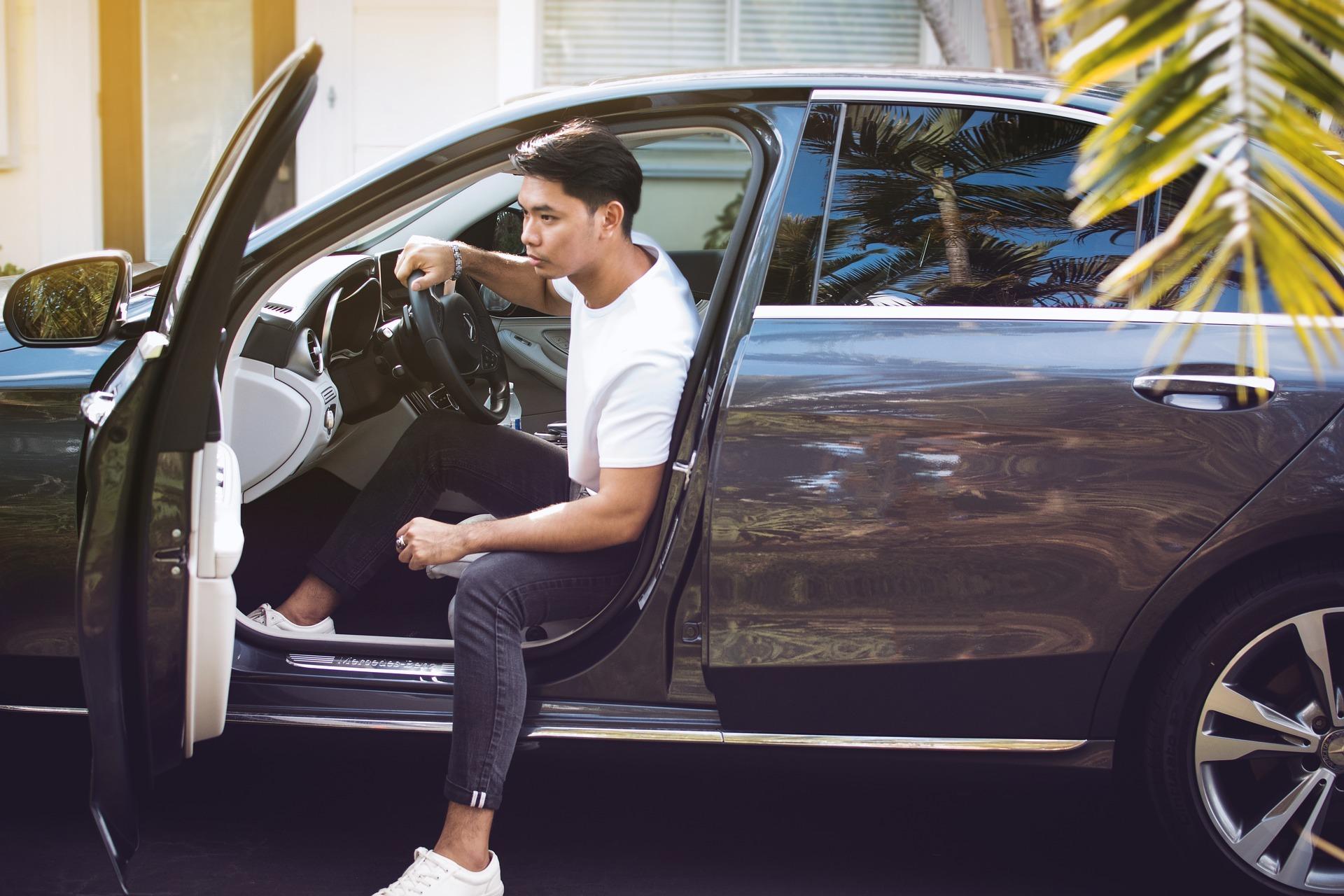 【日本語ドライバー】 空港―ホテル間 専用車 l片道送迎サービス