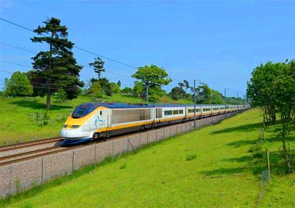 列車で行く! ブリュッセル1日観光(オープントップバス付)