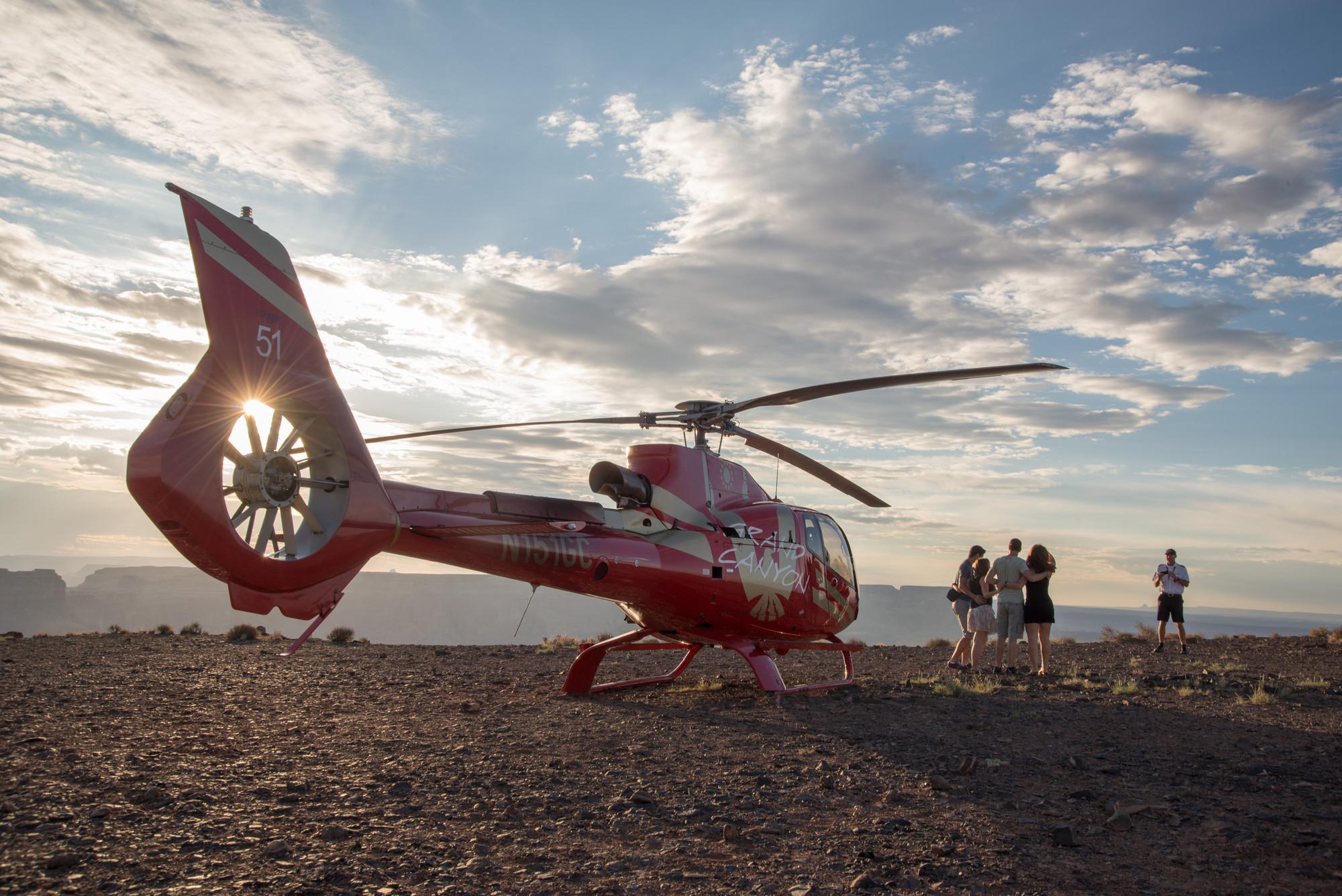ヘリコプターで行く! タワービュート上陸 + ホースシューベンド空中鑑賞