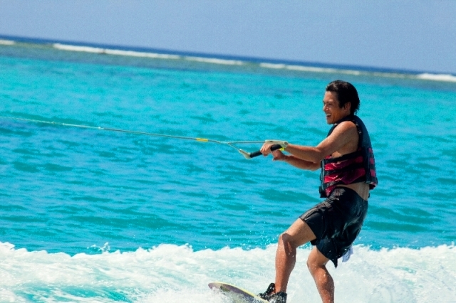 ビーシーサンスポーツ マニャガハ島パッケージツアー(マニャガハ島送+ウェイクボード)
