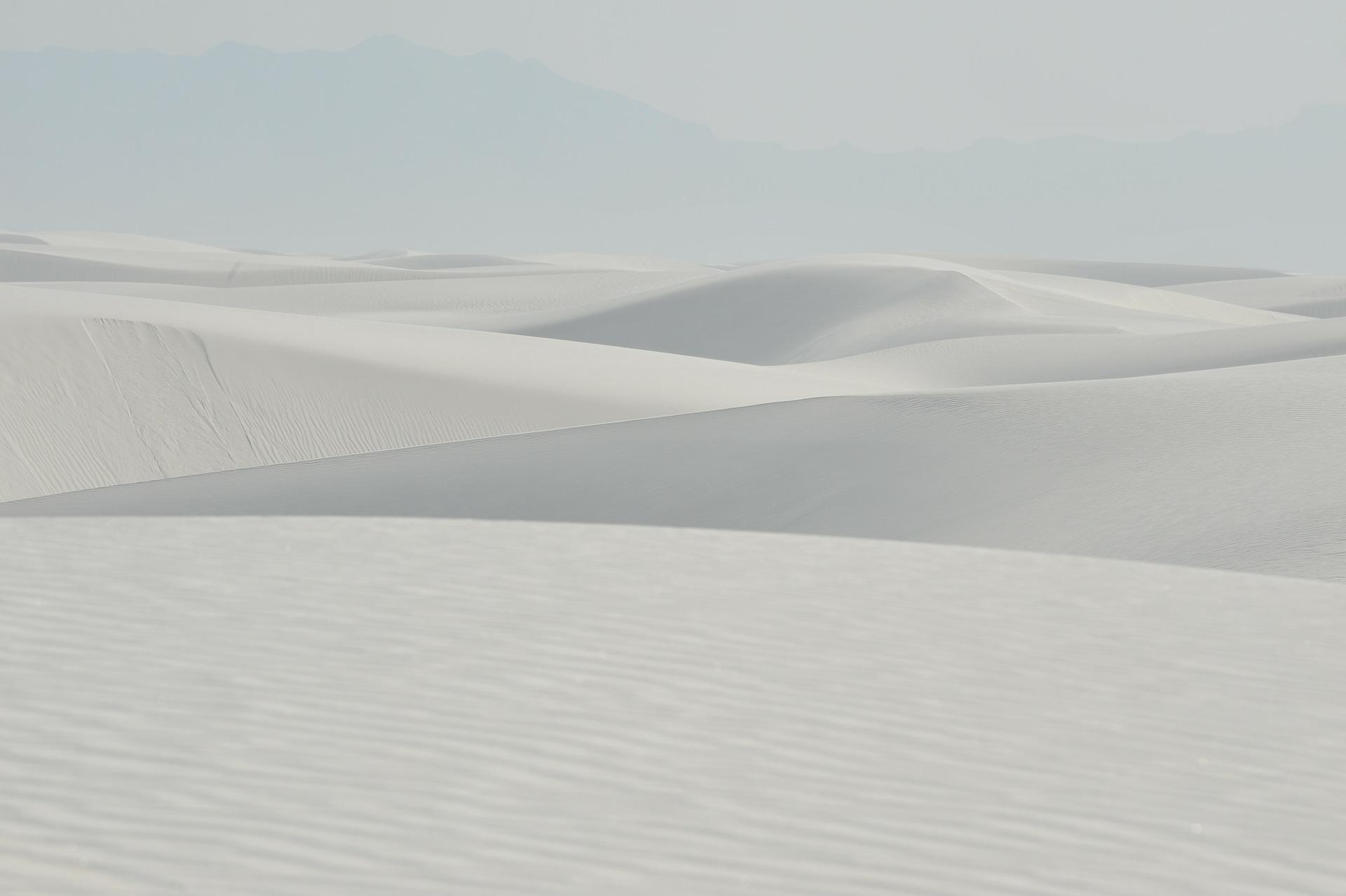 真っ白な世界ホワイトサンズ国定公園夕日観賞と州都サンタフェ1泊2日