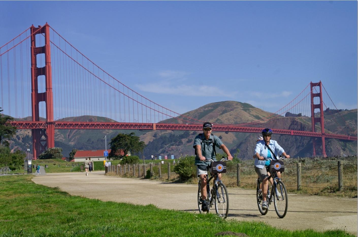 ゴールデンゲートブリッジを渡ってサウサリートまで行く自転車ツアー