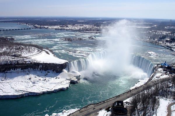 格安!冬の東部カナダ弾丸ツアー5泊6日 〜自由旅行で4都市を楽しもう!〜