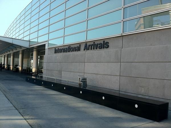 サンノゼ空港発 サンフランシスコ市内ホテル行き 専用車送迎サービス