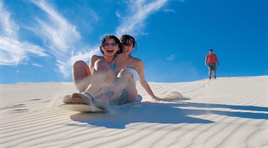ピナクルズ砂漠エクスプローラー(砂丘滑りとランチ付き!)