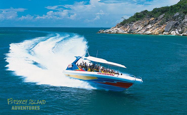 スピードボートサンダーボルトでいく フィッツロイ島半日クルーズ【滞在4時間】