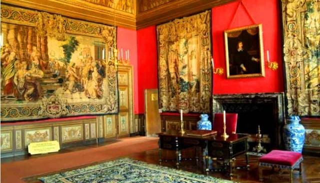 ヴォー・ル・ヴィコント城とフォンテーヌブロー城のガイド付きツアー