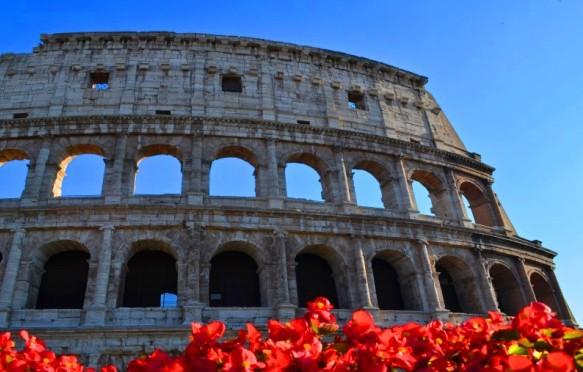 日本語ガイドがご案内! コロッセオ入場付きローマ市内プライベート1日散策観光(ローマパス48時間券付き)
