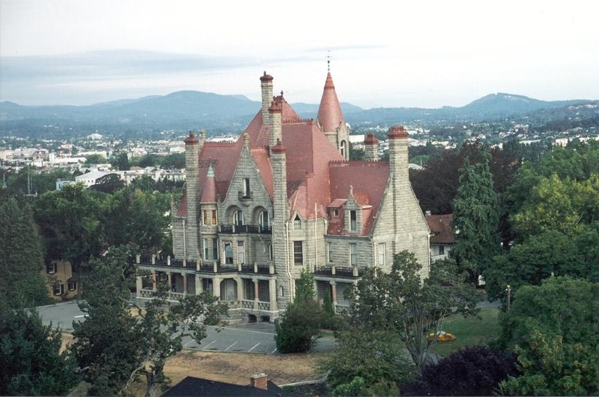 優雅に楽しむビクトリア (クレイグダーロッグ城見学、港散策、ティータイム付)