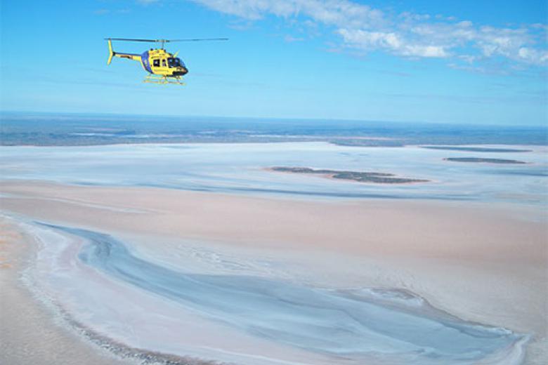 【ヘリコプター】ウルル、カタジュタとアマデウス湖