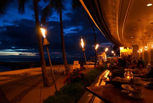 【オーシャンハウス・レストラン】ビーチ・フロントのレストラン♪