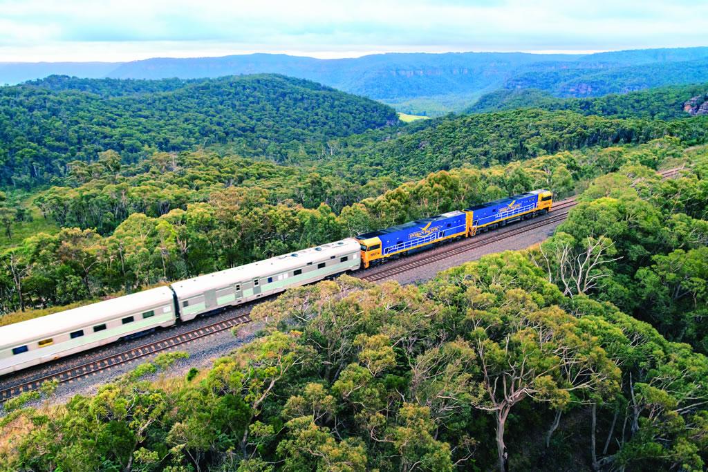 列車の旅 インディアン・パシフィック (シドニー TO アデレード)