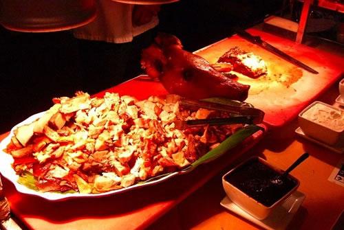 【ウィローズ】食べ放題(ハワイアン料理)ディナー (タンタラス夜景夜景付き/なし)