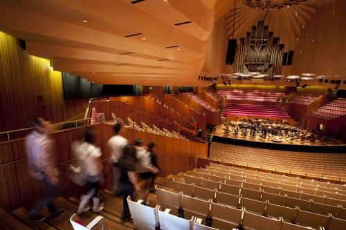 オペラハウス・日本語ツアー