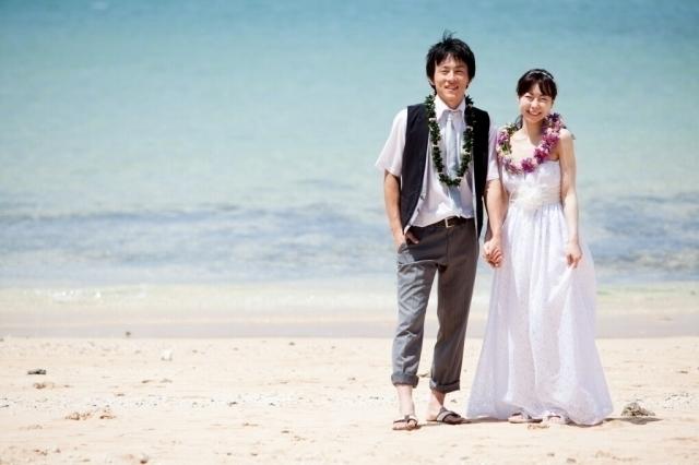 【CINEVIEプロ・フォトツアー】ビーチフォト/ワイキキ街中/持込みドレスでビーチフォト♪