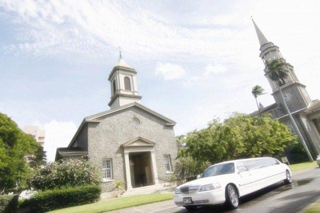 【人気教会での挙式&ビーチ撮影付き♪】ウェディング・パッケージ (セントラル・ユニオン教会-中聖堂)