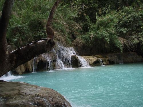 1日:ルアンパバーン市内観光&クアンシー滝とモン族の村【昼食付】【日本語ガイド付】