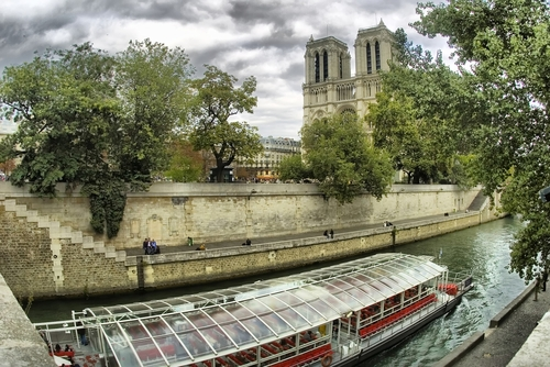 パリ散策♪ノートルダム寺院とセーヌ川クルーズ半日観光ツアー(午後)