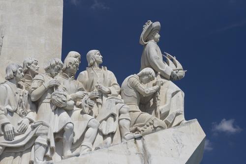 リスボン市内午前半日観光(1日乗車パス、名物エッグタルト付)