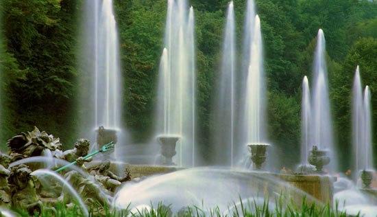 ヴェルサイユ宮殿ガイドツアー(城と大噴水ショー)